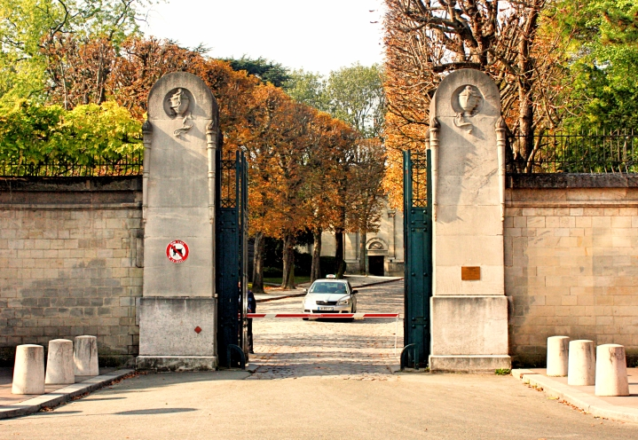 Gambetta Entrance