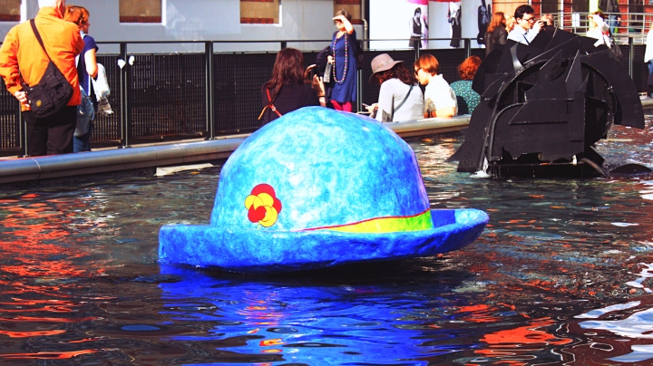 Le Chapeau de Clown floating on the Stravinsky Fountain near the Centre Pompidou.