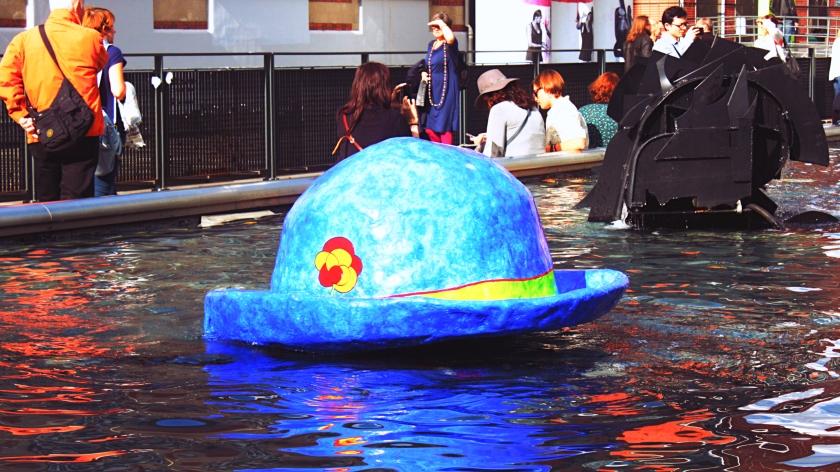 Le Chapeau de Clown floating on the Stravinsky Fountain near the Centre Pompidou.