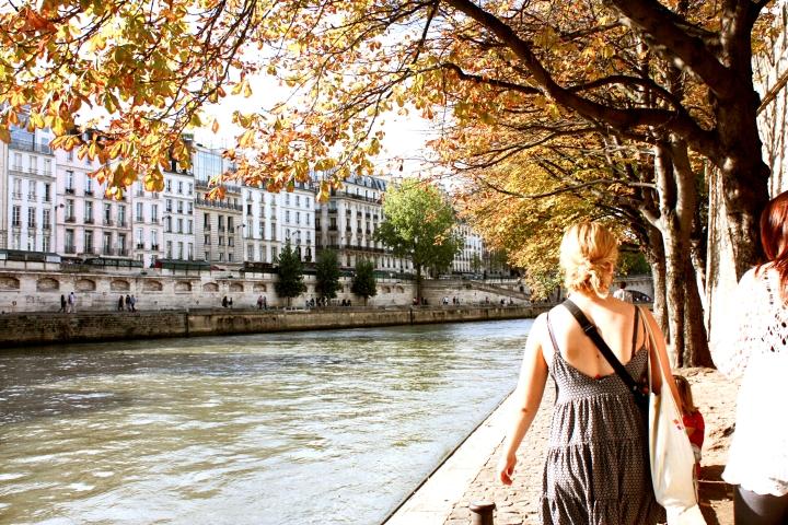 A beautiful autumnal (summer really) walk along the river
