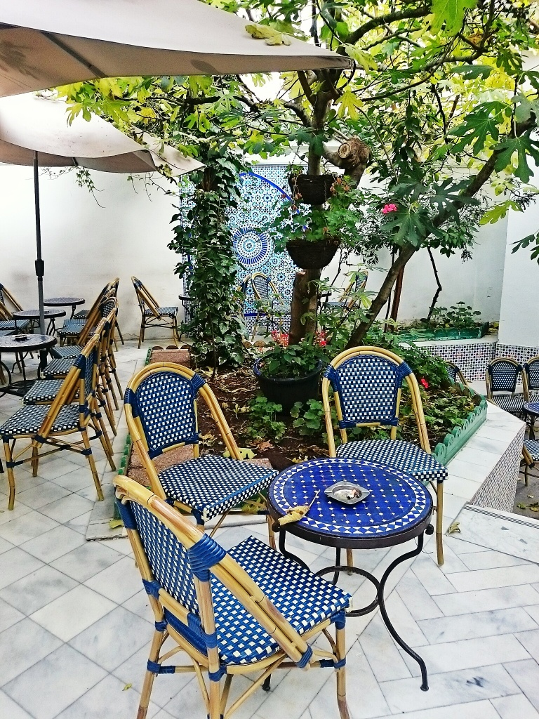 Courtyard eating area in the Grande Mosquée de Paris
