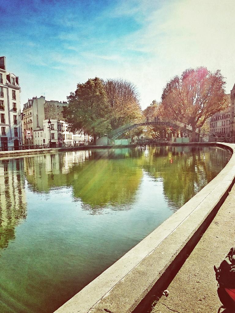 Au Canal Saint-Martin, Paris