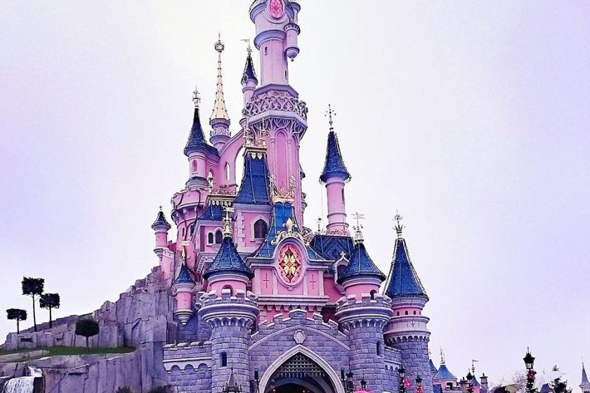 A Merry Christmas from Disneyland Paris