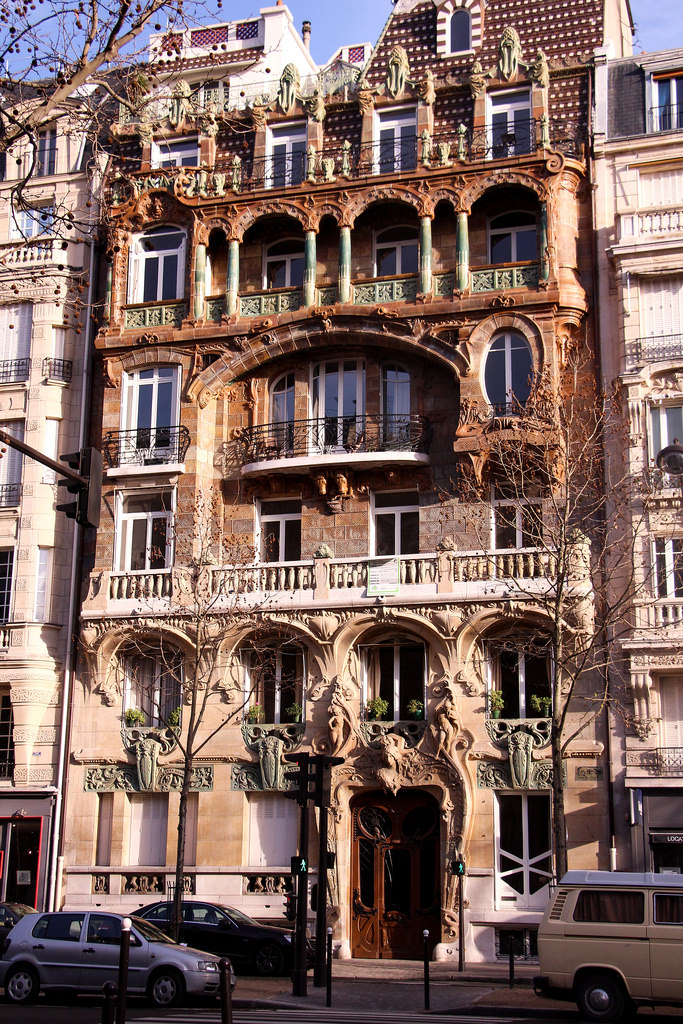 A hidden gem of the Art Nouveau era: 29 Avenue Rapp, 7th arrondissement
