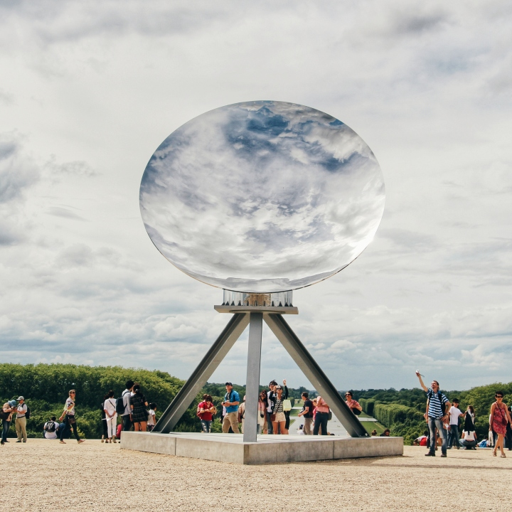 Anish Kapoor exposition at the Palace of Versailles