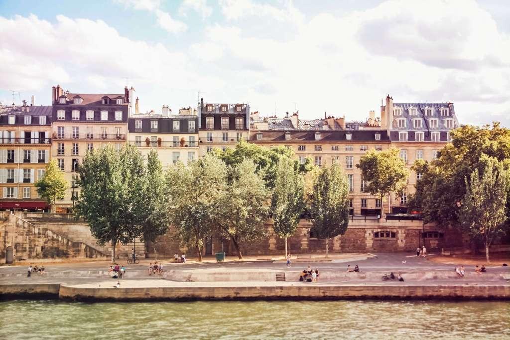 A promenade walk along La Seine, Summer, Paris