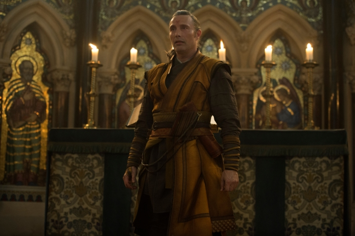 Mads Mikkelsen in Dr Strange filmed in Exeter College Chapel University of Oxford, photo taken from Jay Maidment cdn.collider.com