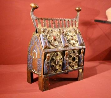 A reliquary chasse, 12th Century, Cuivre Champleve, emaille et pierres fines saint-Bonnet-Briance (Haut-Vienne) (Musée Sainte-Croix, Poitiers)