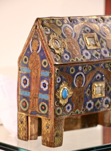 A reliquary chasse from Limoges 12th century (Musée Sainte-Croix, Poitiers)